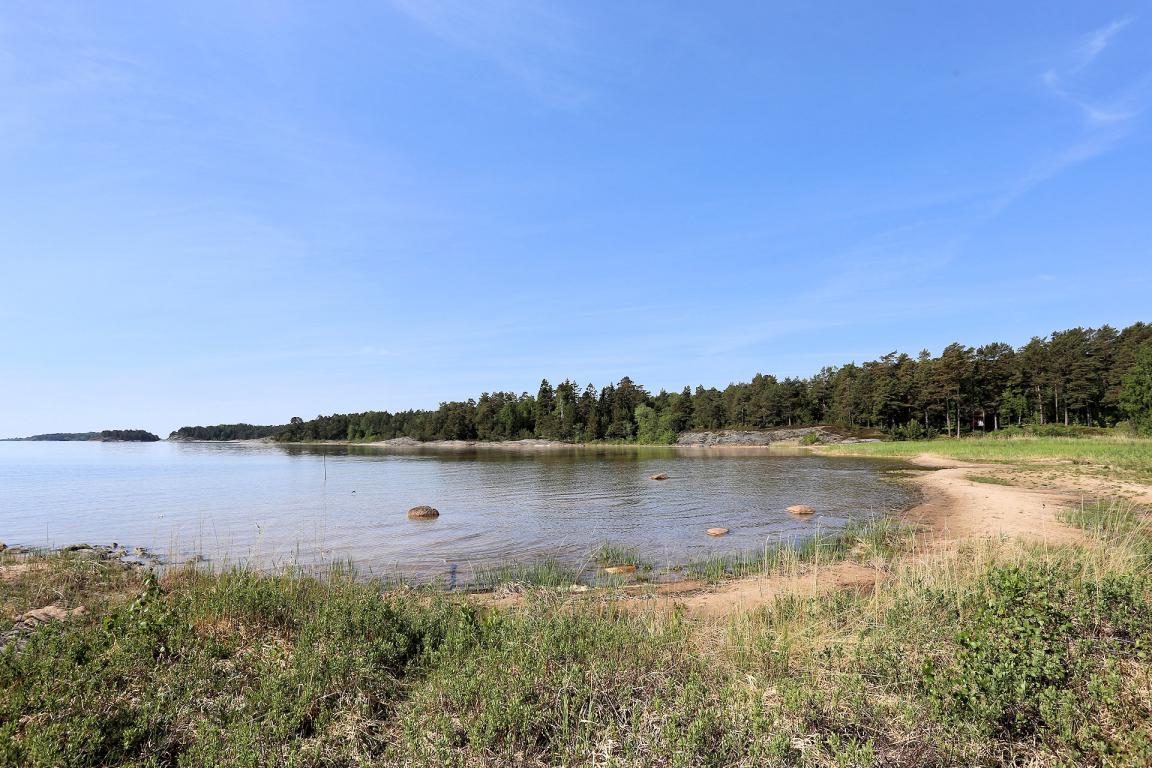 Ferien auf der RelaxRanch in Schweden - Strand am Vänernsee, nur 10 Minuten von der RelaxRanch entfernt
